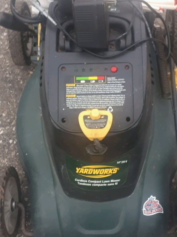 Yardworks lawn mower rechargeable with battery 21b500a9-6ec7-4aad-89b0-f636f4259572