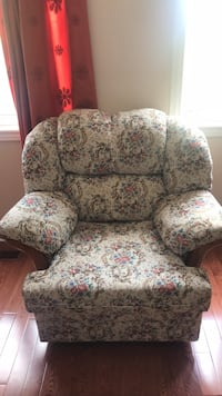 Sofa (love seat and single) Mississauga, L4Z