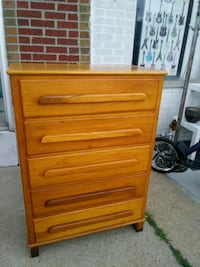 4 drawer light wood chest of drawers dresser  St. Louis, 63102
