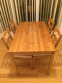 Table and 4 chairs  536 km
