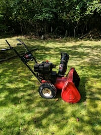 Toro 724 Snowblower (2 Stage) East Patchogue, 11772