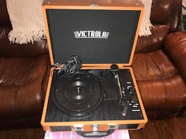 Record Player/Bluetooth