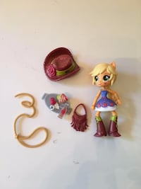 MY LITTLE PONY APPLEJACK DOLL AND ACCESSORIES