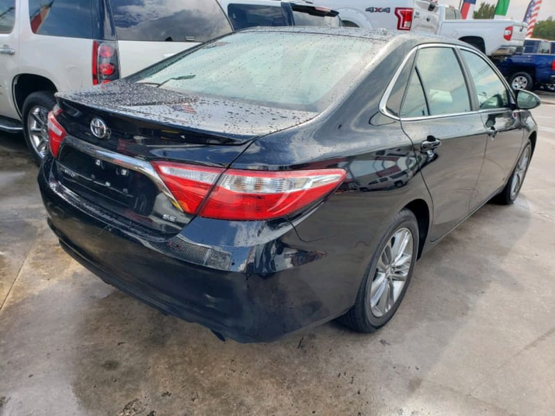 1800 down payment Toyota - Camry - 2015 d5560306-c26a-4419-a09a-cad749237711