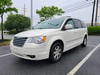 Chrysler Town & Country Touring Plus Forestville
