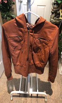 Women's Faux leather jacket Mississauga, L5G 4W1