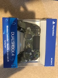 Brand new PS4 controller beautiful gem green camo colour 50!!