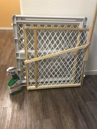 baby's white safety gate Danville, 94506