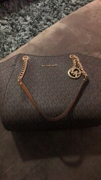 Brand New with tags / MK purse