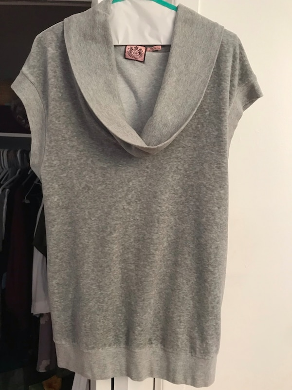 """Authentic """"Juicy Couture"""" women's size Large"""