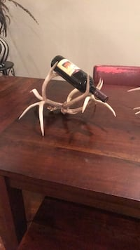 Deer antler wine bottle holder  Leesburg, 20175