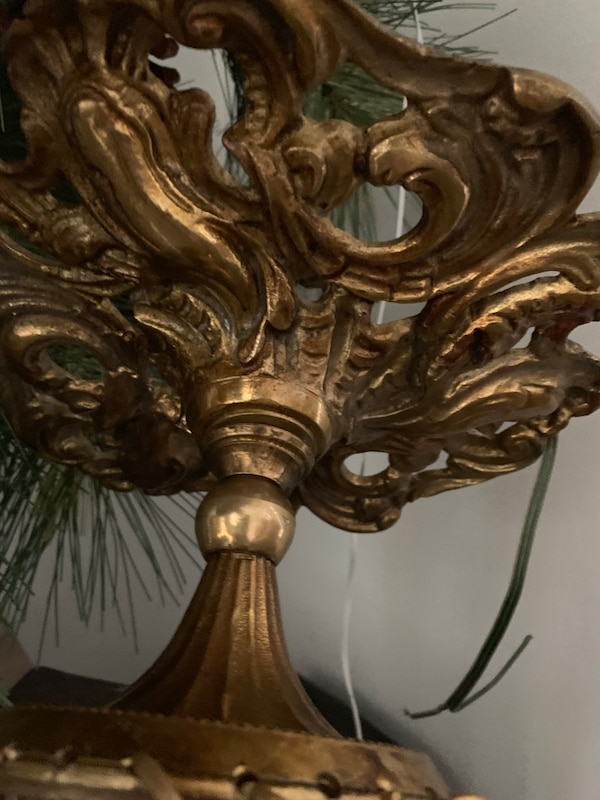 Antique Gold and Murano Crystal Chandelier d90b967d-eed8-4536-8284-c23db4c89944