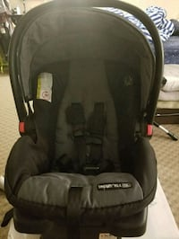 baby's black and gray car seat carrier Regina, S4N