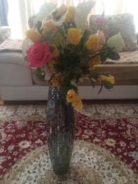 Yellow, white, and pink rose flowers centerpiece Montréal, H1X