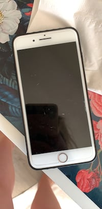 Mint condition unlocked iPhone 8 plus Edmonton, T6K 3B4