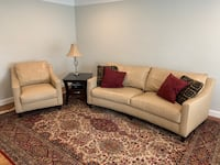 Leather couch set Livonia, 48154