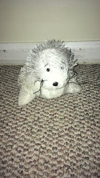 white animal plush toy Chesapeake, 23323