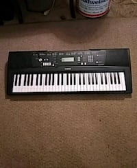 black and white electronic keyboard Arlington, 22204