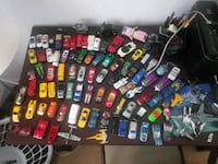 100 Hot wheels and matchbox cars  Largo, 33771