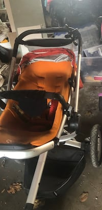 Quinny stroller and bassinet