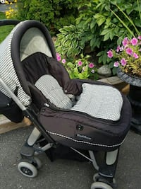 baby's black and gray stroller Mississauga, L4T 4A3