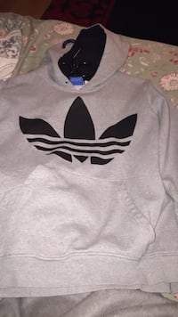 gray and black Adidas crew-neck shirt Winnipeg, R2H