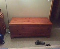 1932 wooden chest  Huntington, 25704