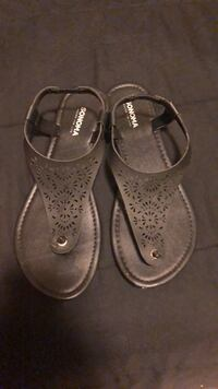 pair of gray leather sandals Imperial, 92251