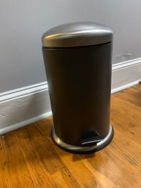 3 gallon trash/recycling can Norfolk, 23503