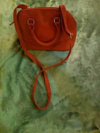 Red purse Arlington, 22201