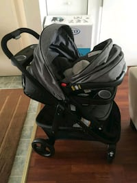 Graco baby's black stroller travel set all-in-one Laval, H7P 5N9