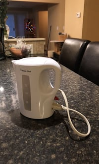 Magic Chef Electric kettle 1.0 L London, N6H 2G8