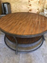 Round Coffee Table Los Angeles, 91604