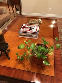 "Henredon coffee table, 40""w x 22""d x 59""l.   Has some minor blemishes but overall in very good condition Hilshire Village, 77055"
