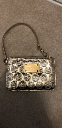 Michael Kors coin purse Surrey, V3V 7H7