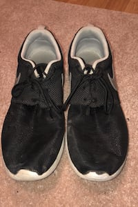 Nice Nike shoes for sale fairly good condition.! Edmonton, T5Z 1Z3