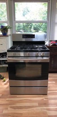 Stainless steel and black gas range oven Arlington, 22204