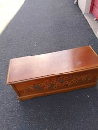 Lane Cedar Chest With Detailed Pansies. Pretty Design.