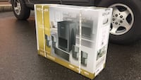 Black kevlan home theater system Federal Way, 98023