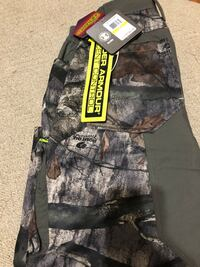 Under Armour Hunting Pants size medium