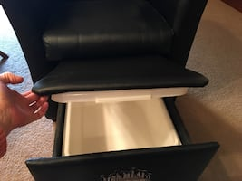 Man cave lounger w ice chest
