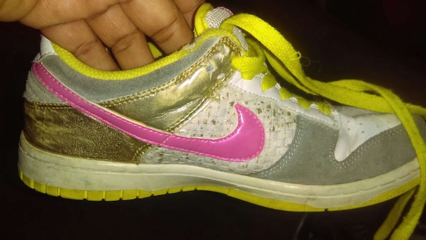 907058827904cc Used pink and yellow nikes for sale in Elk Grove - letgo