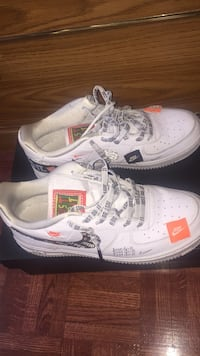 Pair of white nike air force 1 low shoes Toronto, M1J 3C8