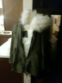 (Ladys large )mr. And mrs. Furs (made in italy) Sikeston, 63801