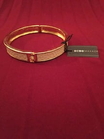 One size BCBGMAXAZRIA Beige and Gold Bracelet