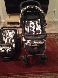 baby's black and white travel system Fort Washington, 20744