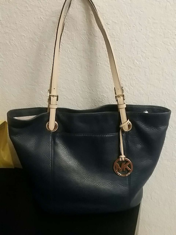ad2b33668d7731 Used Navy blue Michael kors purse for sale in Victorville - letgo