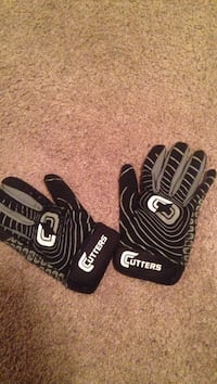 AWESOME FOOTBALL GLOVES Warman, S0K 4S1