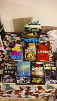 assorted-title book lot Killeen, 76543