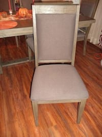 Dining room set with eight chair and two leaf (Price Negotiable)